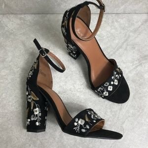 Mari A. Black Sami Embroidered Block Heel Sandals